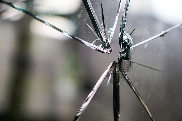 glass-1497231_640